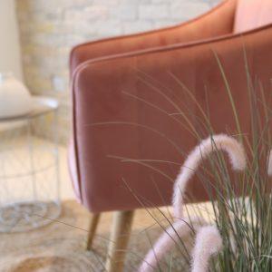 כורסאות וכיסאות מעוצבים