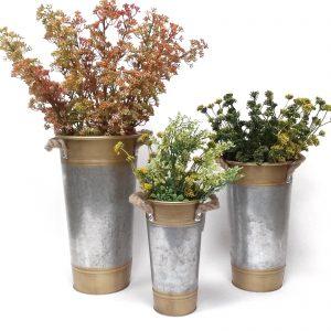 מעמדים לפרחים בעיצוב מיוחד
