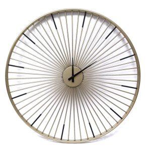 שעון מיתרים מוזהב