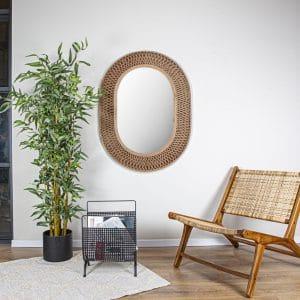 כיסא מעוצב מעץ מלא